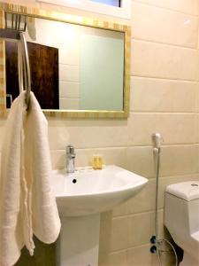 حمام في Towlan Al Rawdah