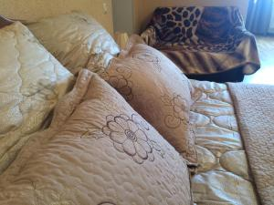 Кровать или кровати в номере Apartment On Lunacharskogo 39