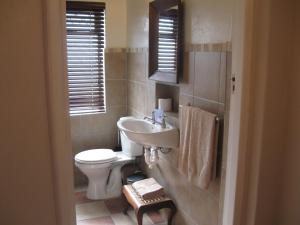 A bathroom at Serenahof