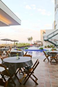 Бассейн в Vitória Hotel Convention Paulínia или поблизости