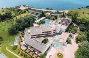 A bird's-eye view of Alexander Beach Hotel & Spa
