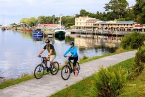 Biking at or in the surroundings of Strahan Village