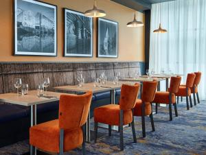 A restaurant or other place to eat at Jurys Inn Nottingham