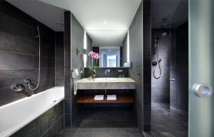 A bathroom at Eurostars Embassy