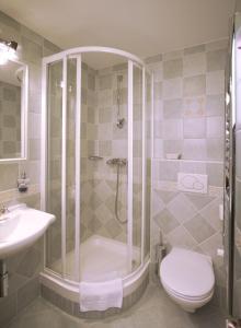 A bathroom at Marketa