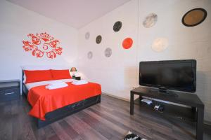 Кровать или кровати в номере Пять Звёзд Лофт