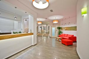 The lobby or reception area at Xenia Hotel