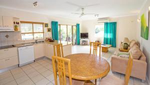 A kitchen or kitchenette at Mission Reef Resort