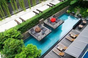 A view of the pool at LiT BANGKOK Residence or nearby
