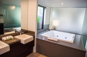 A bathroom at 161 SEA TEMPLE LUXURY DIRECT STUDIO