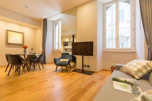 A seating area at Amazing Piazza Venezia Suites
