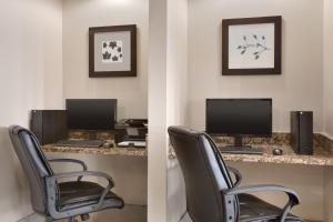 The business area and/or conference room at Country Inn & Suites by Radisson, Mishawaka, IN