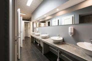 A bathroom at Winstrup Hostel