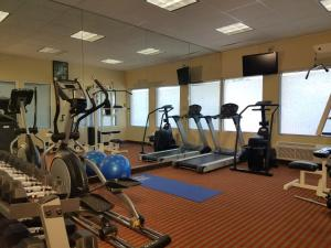 The fitness center and/or fitness facilities at Best Western Mountaineer Inn Morgantown