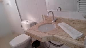 A bathroom at Pantanal Norte Hotel