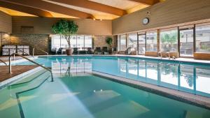 The swimming pool at or near Jasper Inn & Suites