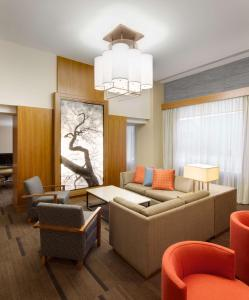 A seating area at Hyatt Place Denver Cherry Creek