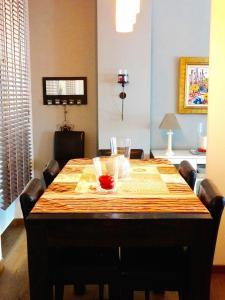 A restaurant or other place to eat at Luxury Rental Marseille Imperial - Rue de la République