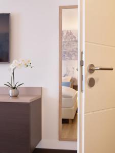 A bathroom at Aquis Grana City Hotel