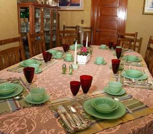 A restaurant or other place to eat at Alaska's Capital Inn Bed and Breakfast