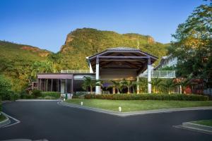 O edifício em que o resort se localiza