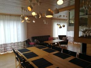 A restaurant or other place to eat at Marina Holiday Lotus Village