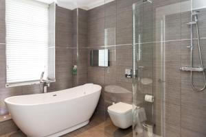 A bathroom at The Dowans Hotel of Speyside