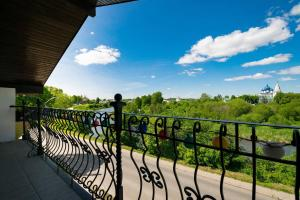 Балкон или терраса в Panorama Guest House Suzdal