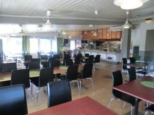 En restaurang eller annat matställe på 17 Rum och Kök