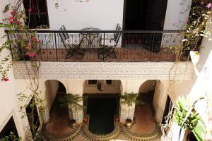 Ein Balkon oder eine Terrasse in der Unterkunft Riad Al Mamoune