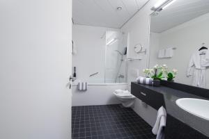 A bathroom at relexa hotel Bad Steben GmbH
