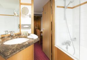 A bathroom at Royal Saint Michel