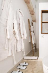 Un baño de S'Hotelet d'es Born - Suites & SPA