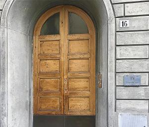 The facade or entrance of Dimora degli Artisti - Charm Rooms