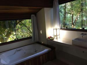 Uma casa de banho em Residencial Warabi