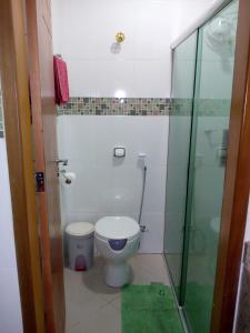 Un baño de Ajuricaba Suítes 7