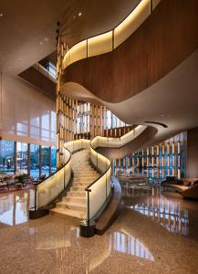 The lounge or bar area at Conrad Guangzhou