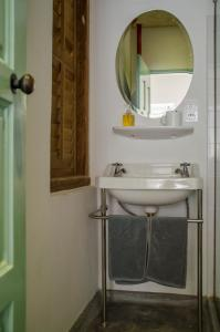 A bathroom at Ren I Tang Heritage Inn