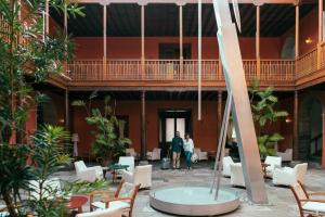 A restaurant or other place to eat at Hotel San Roque
