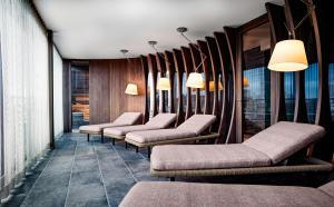 A seating area at SAKS Urban Design Hotel Frankfurt