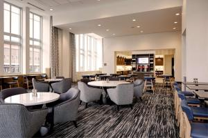A restaurant or other place to eat at Hyatt Place St. Paul