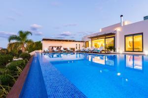 The swimming pool at or near Winehill Villa
