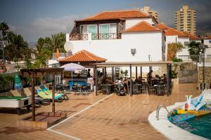 Vista de la piscina de Ocean Royal Studio o alrededores