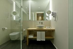 A bathroom at Hotel Mercure Braga Centro