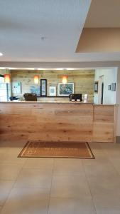 The lobby or reception area at Country Inn & Suites by Radisson, Springfield, OH