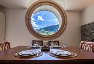 A restaurant or other place to eat at Casa del Sol Apartaments