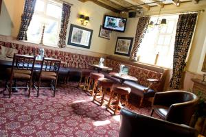 The lounge or bar area at Innkeeper's Lodge Rugby, Dunchurch