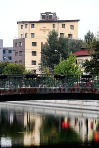 Clădirea în care este situat/ăhotelul