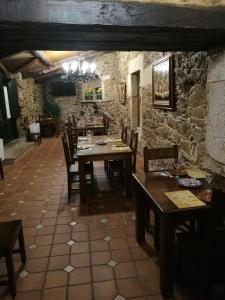 A restaurant or other place to eat at Casa de los Somoza