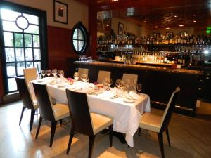 A restaurant or other place to eat at Taj Campton Place